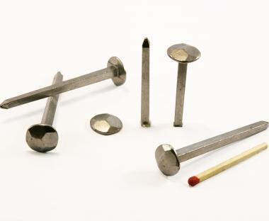 Chiodo forgiato a testa martellata in acciaio lucido (100 chiodi)